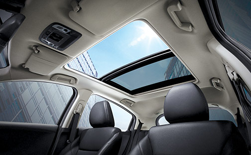 Merawat Panoramic Sunroof Mobil Honda