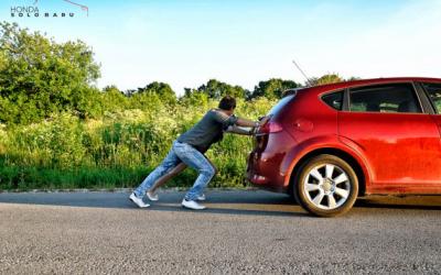 Cara Dorong Mobil Bertransmisi Matic yang Mogok